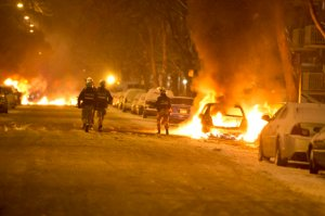Carros queimados Montreal Nord