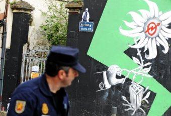 "DESALOJO DE LA CASA OCUPA DE LAS ATOCHAS EN A CORU""A"